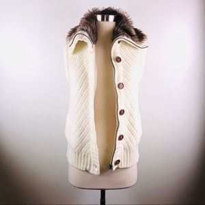 Ci Sono  Ivory Sweater with Faux Fur